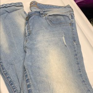 Rue 21 Distressed Jeans Size 15/16